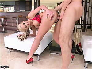 big-titted Phoenix Marie enjoys getting her cunny fucked