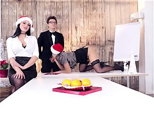 culos BUERO - nasty Christmas group intercourse at the office