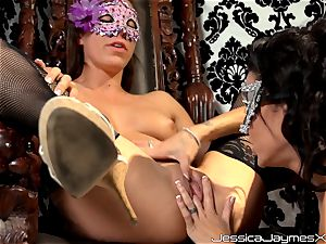 hooded sweethearts Jessica Jaymes and Rilynn Rae slit eating