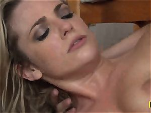 Bailey Blue gets her smoothly-shaven vagina stuffed with trunk