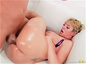 Dee Williams drilled testicles deep in her ass