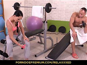 RELAXXXED - elastic butt babe slurps jizm in sensuous smash