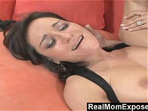 RealMomExposed He watches as His wife Gets penetrated