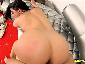 Alexa Nicole simply needs a fat yam-sized dick