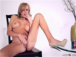 bootylicious Brett Rossi uses her new plaything to satiate herself