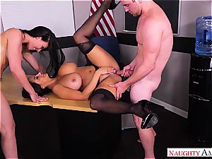 Bombastic cougars Ava Addams and Rachel Starr share a youthful salami