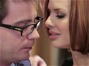 Mean mummy Veronica Avluv smashes her daughter's stud