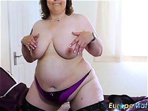 EuropeMaturE big-chested girls killer Showoff Compilation