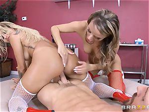 naughty nurses Kissa Sins and Pristine edge milk a steaming client