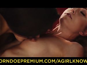 A doll KNOWS - Susy Gala nails sizzling lesbo with strap on dildo