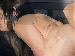 Sara Luvv gets a super-steamy surprise from cougar stunner Kobe Lee