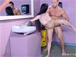 inviting rest room fuckin' for blistering brunette Noelle Easton
