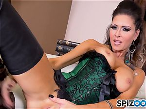 brunette ultra-cutie Jessica Jaymes messes with her sumptuous minge
