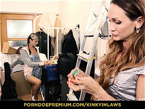 wild INLAWS - Gina Gerson smashed by milf with electro-hitachi